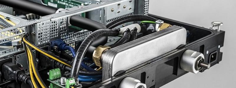 Prvý kvapalinou chladený rack pre dátové centrá od APC Schneider Electric